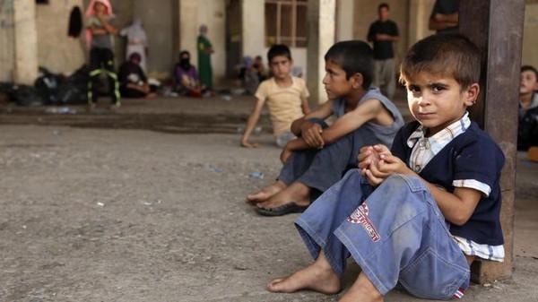 نتيجة بحث الصور عن اطفال النازحين في الموصل داعش